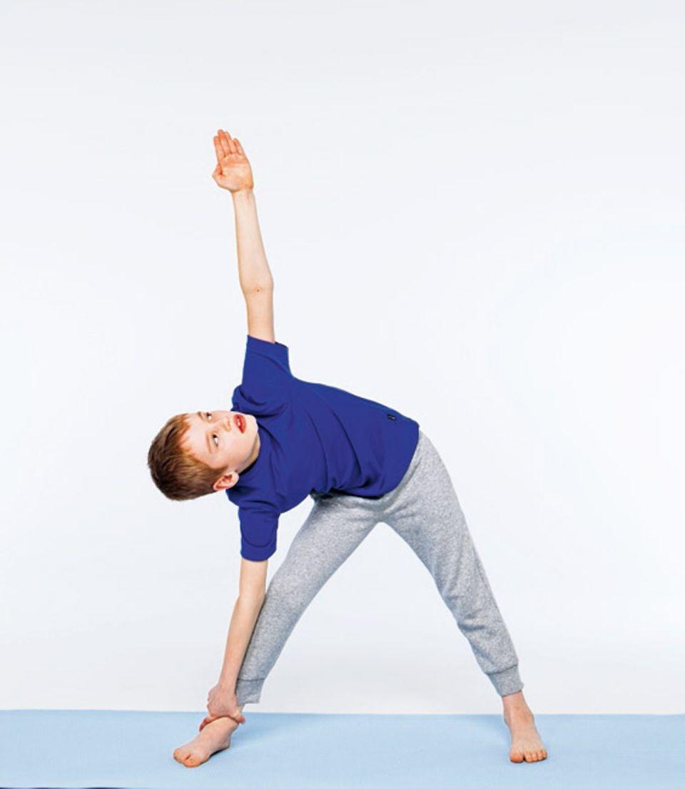 Bewegung: Die Dreieckshaltung: Schritt 2