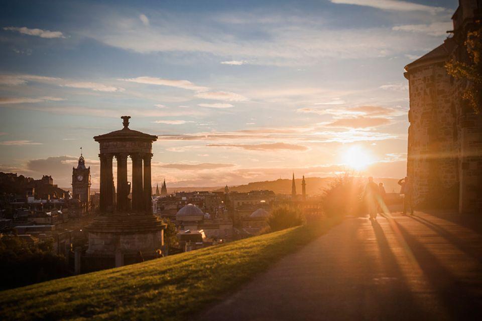 Reisetipps Schottland: Toller Blick auf die Stadt und Zugang zu bedeutenden Monumenten: der Calton Hill liefert beides