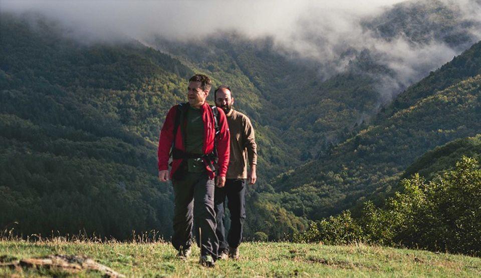 Süditalien: Auf Hirtenwegen zu den Wolken-Gipfeln des Sila-Gebirges: Autor Titus Arnu (vorn) und Wanderführer Eduardo Santoro