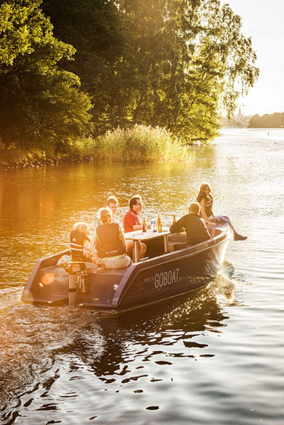 Reisetipps für Slow Traveller: Seelenfrieden gesucht und gefunden: Lautlos gleiten die Solarboote von Go-Boat durch die Kanäle