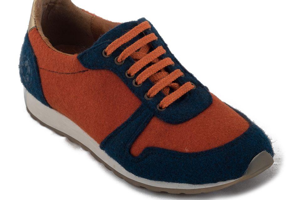Nachhaltige Mode: Auf Nachhaltigkeit setzt die Marke NAE beim Sneaker Re-Bottle. Das Obermaterial besteht aus recycelten PET-Flaschen