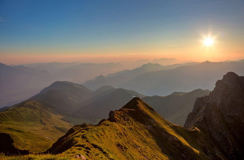 Sonnenaufgang am Kellerjoch in Tirol