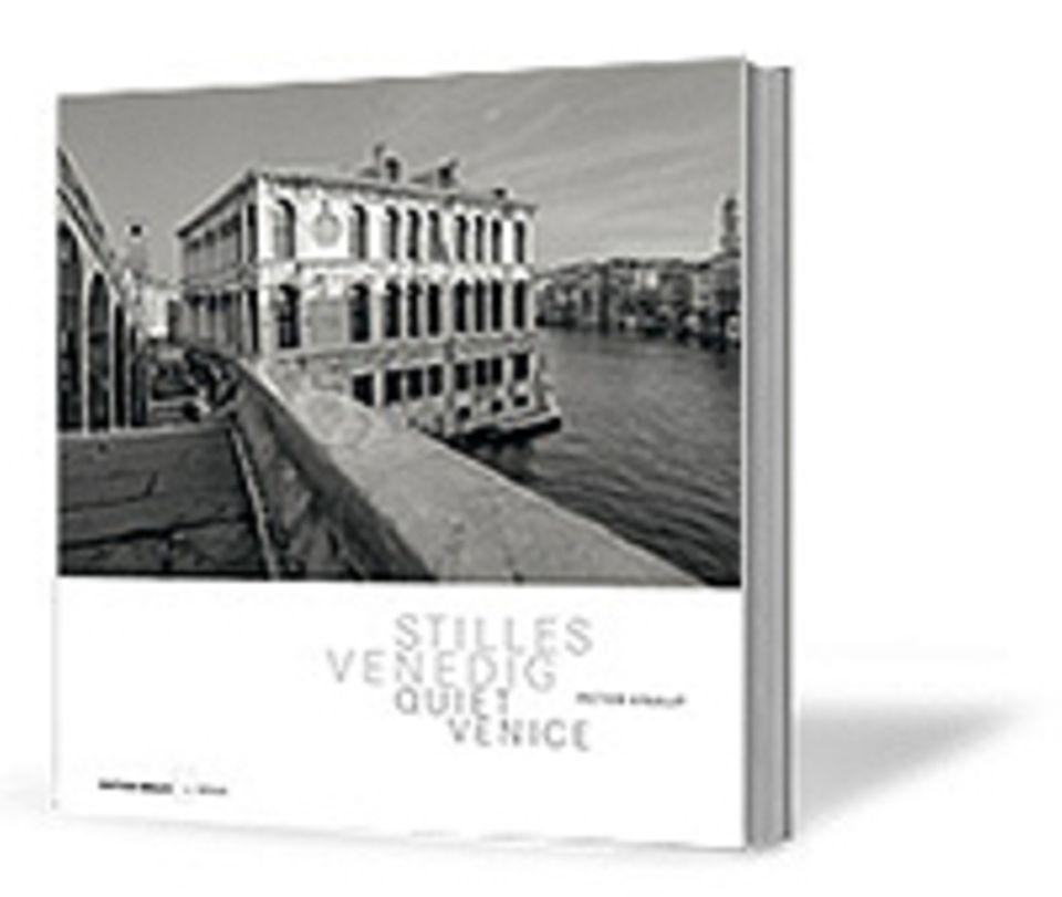 Fotogalerie: Peter Knaup Stilles Venedig 124 Seiten, 100 Schwarz-weiß-Fotos Edition Braus 1. Auflage März 2011 49,80 Euro