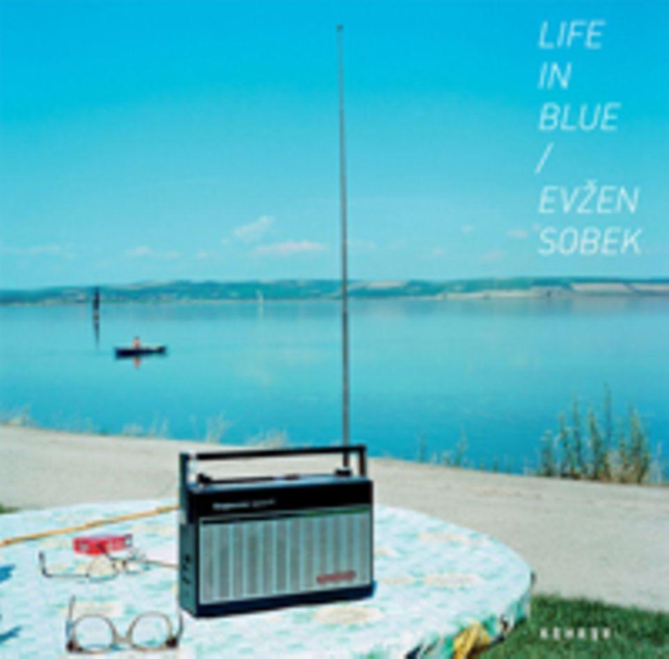 Fotogalerie: Life in Blue erschienen bei Kehrer, 36 €