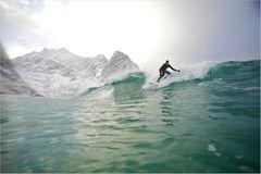 Fotogalerie: Surfen unter Polarlichtern - Bild 2