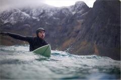 Fotogalerie: Surfen unter Polarlichtern - Bild 3