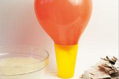 Basteln: Basteltipp: schlagfertige Piñatas - Bild 2