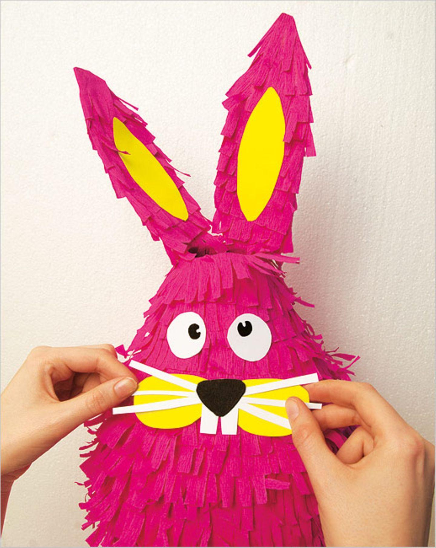 Basteln: Basteltipp: schlagfertige Piñatas - Bild 7