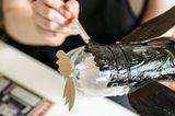 Upcycling: Pinguin aus Milchkartons und Flaschen