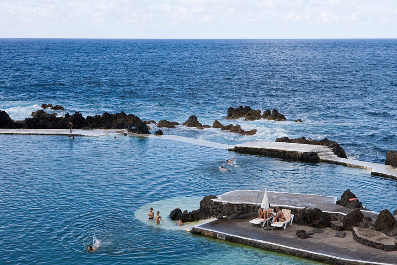 Rock-Pool am Porto Moniz, Madeira, Portugal