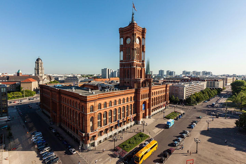 Berlin aus halber Höhe