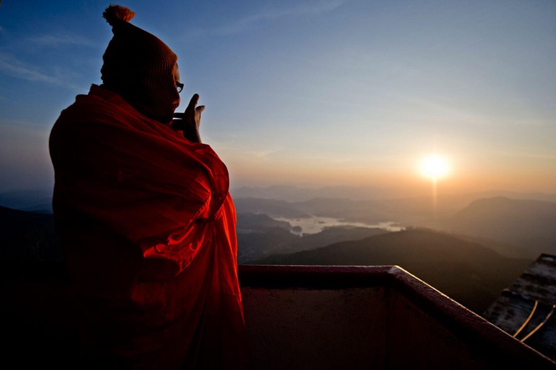 Pilgerweg: Vier Weltreligionen auf einem Berg - Adam's Peak, Sri Lanka