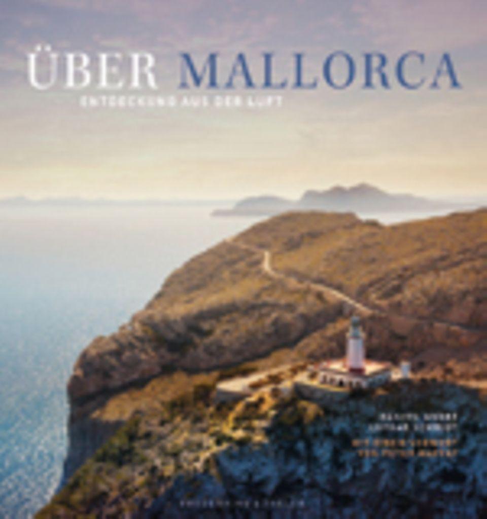Fotogalerie: Über Mallorca, Danyel André, Lothar Schmidt, 224 Seiten, Texte auf Deutsch, 49,99 Euro, erschienen bei Frederiking & Thaler Verlag, 2014