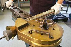 Musikinstrumente: Musik: Wie Hörner gebaut werden - Bild 3