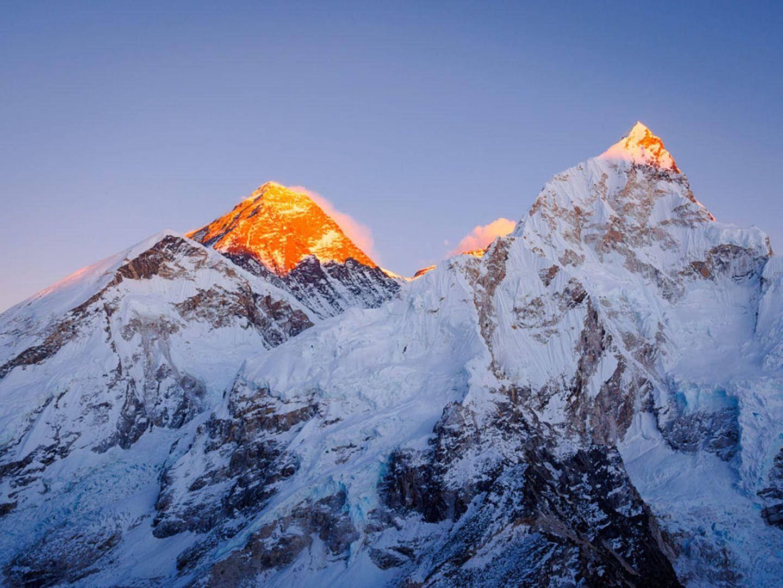 Nepal/China: Himalaya, Mount Everest