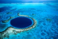 Karibik: Belize in Zentralamerika, Great Blue Hole