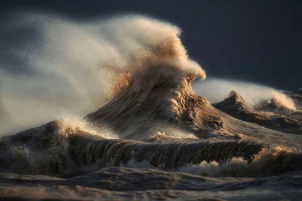 Eriesee: Die Kraft der Wellen in atemraubenden Bildern