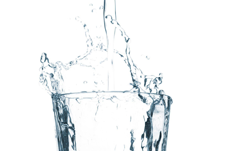 Stilles Wasser trinken