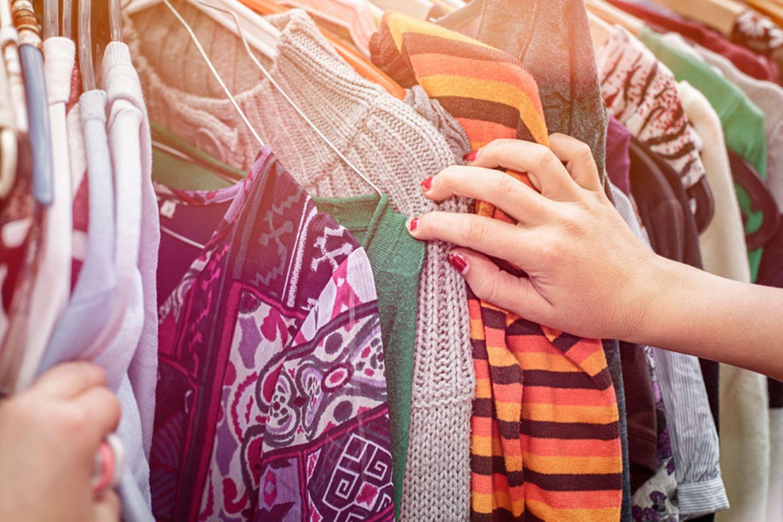 Verborgene Schätze im Kleiderschrank finden