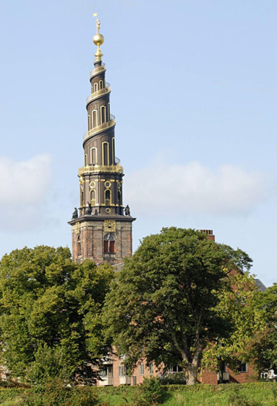 """Reise-Experiment: Wer sich auf dem Turm der """"Frelsers Kirke"""" auch noch die äußere Wendeltreppe hochtraut, wird mit einem grandiosen Blick über die Stadt belohnt"""