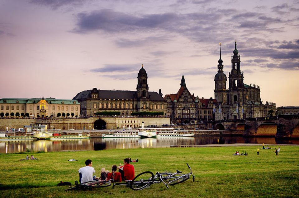 Städtereise: Wer alles andere schon gesehen hat, kann sich der erholsamsten Sehenswürdigkeit widmen - der Elbe
