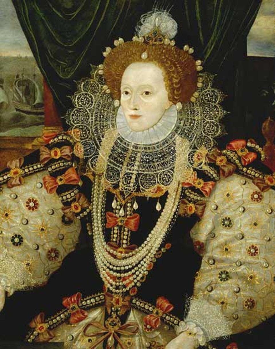 Zeit ihres Lebens ist Elisabeth von Feinden umgeben: Ihre ältere Halbschwester lässt sie in den Tower sperren,der Papst schließt sie aus der Kirche aus, ihr Schwager entsendet eine gewaltige Kriegsflotte gegen sie. Doch Elisabeth I. übersteht alle Komplotte. 44 Jahre lang wird die 1559 gekrönte Monarchin herrschen