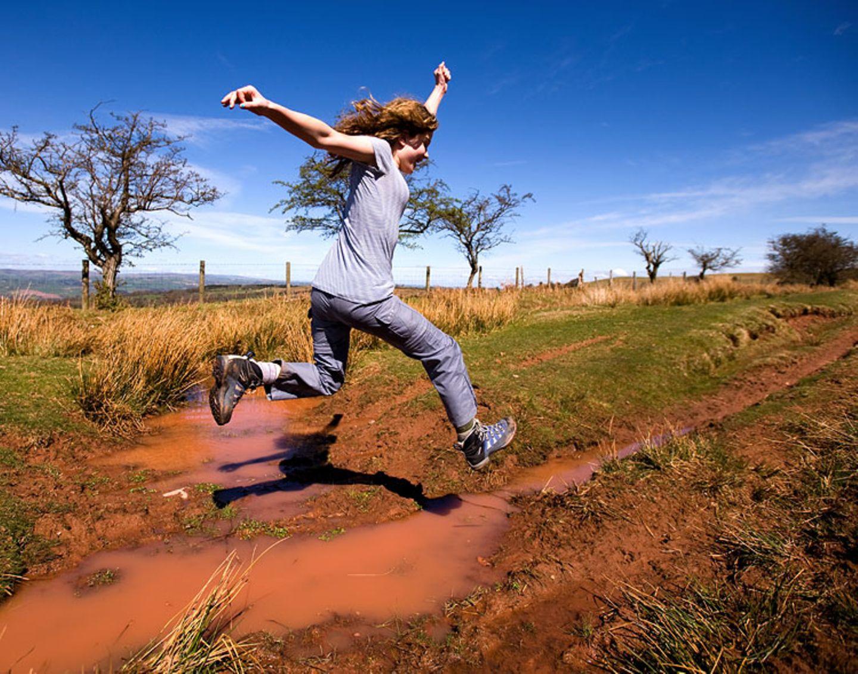Redewendung: Vorsicht! Auch ein Sprung in eine Matschpfütze kann dazu führen, dass man einen ganz bestimmten Fluss überquert: den Rubikon.