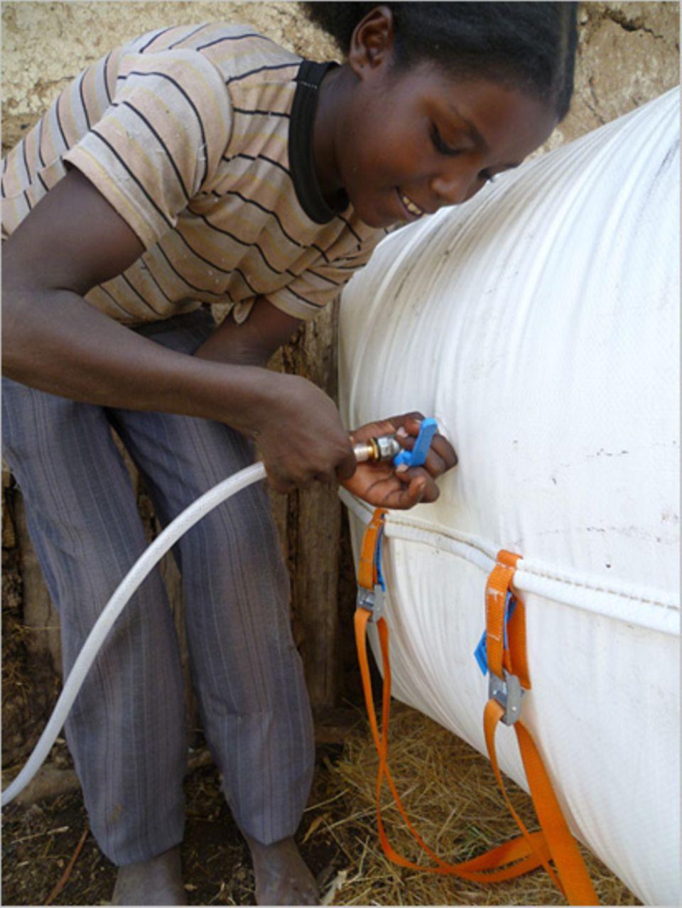 Biogas: Zwei Handgriffe: Der Anschluss an die Hausleitung ist kinderleicht