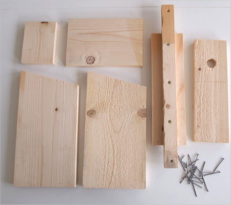 Bastelanleitung: Zugeschnittenes Holz und ein paar Nägel - Ein Nistkasten ist schnell gebaut