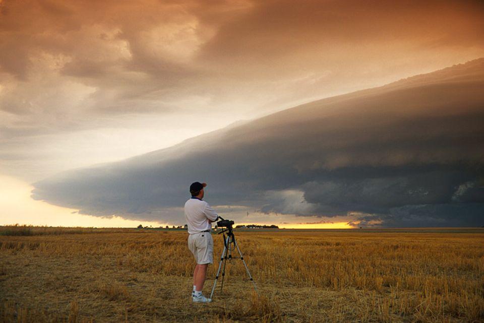 Manchmal begutachten Meterologen Unwetter direkt vor Ort, wie etwa diesen Sturm