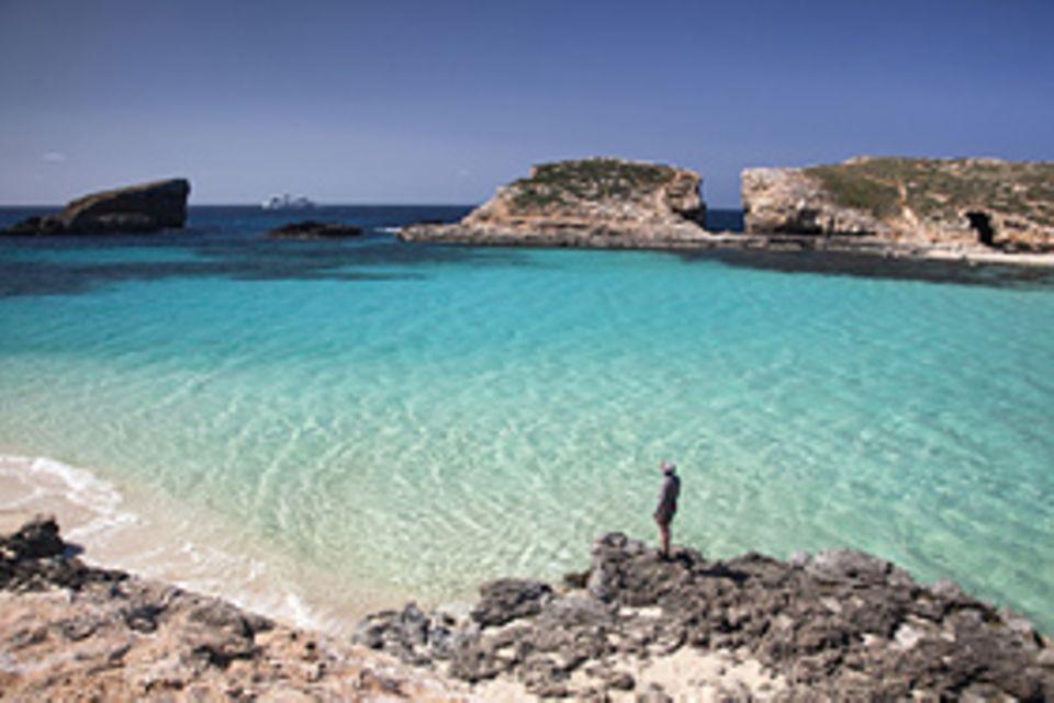 Kein Geheimtipp mehr, aber trotzdem schön zum Baden: die Blue Lagoon zwischen Malta und Gozo
