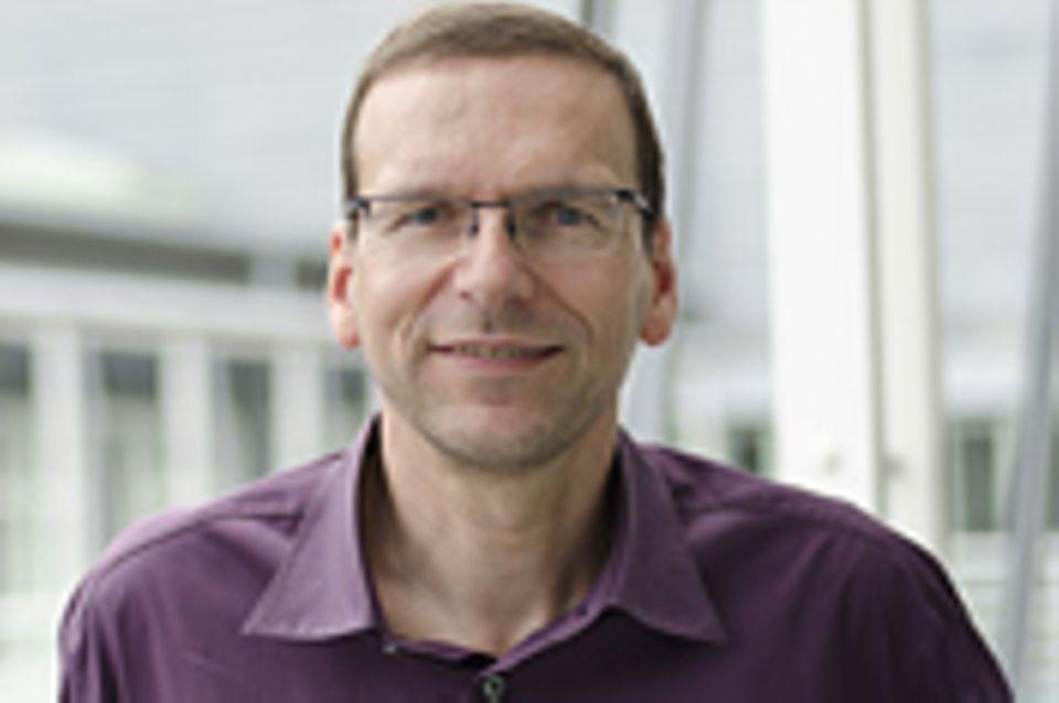 Geschäftsführender Redakteur: Claus Peter Simon
