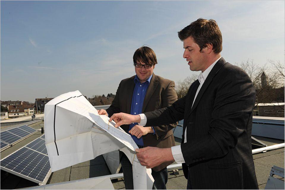 Solarenergie: Kay Voßhenrich (links) und Ramon Kempt, die Vorstände der Bürgersolargenossenschaft Energiegewinner eG