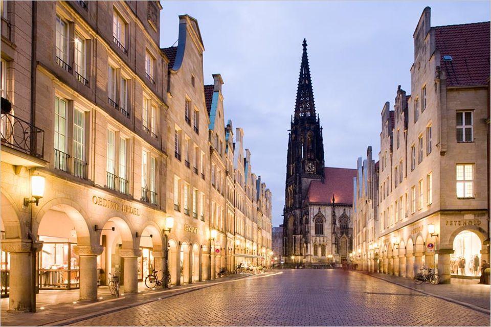 Städtereisen: Der Prinzipalmarkt und die St. Lambertikirche bilden das Zentrum Münsters