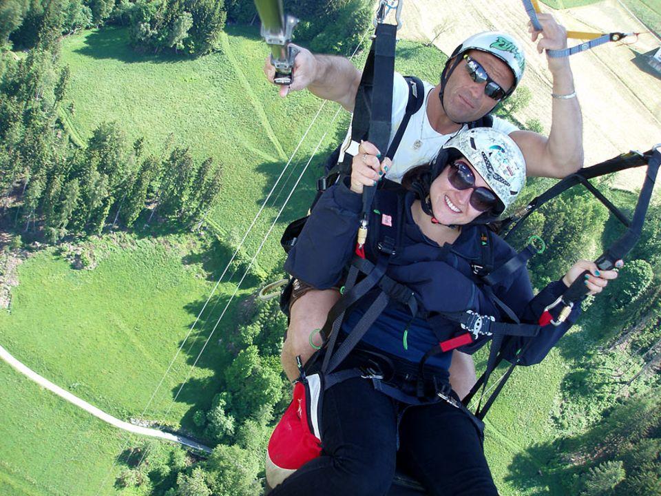 Paragliding in Südtirol: Autorin Elisabeth Turker fühlt sich nun auch in der Höhe wohl