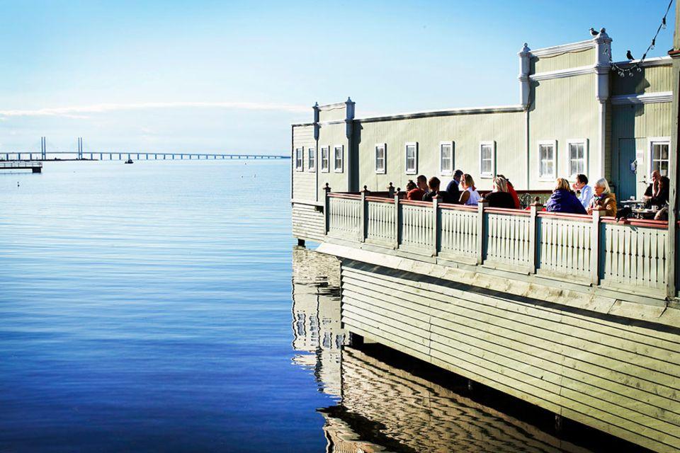 Städteguide: Klassisch und schön das Ribersborgs Kallbadhuset. 1898 wurde es als Badeanstalt für Damen und Herren eröffnet. Heute ist es eine Sauna.