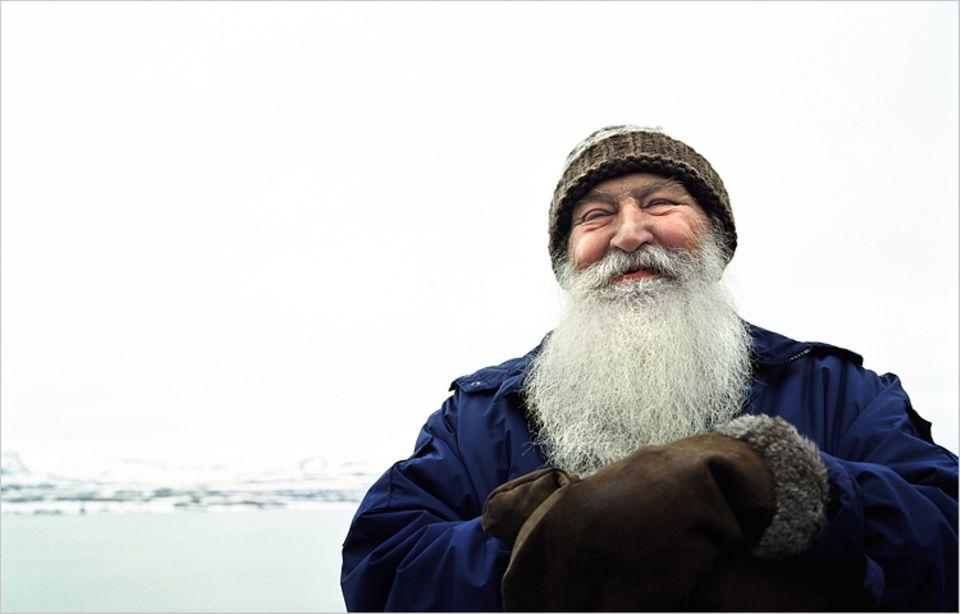 Redewendung: Wer so einen Bart hat, der ist schon alt...