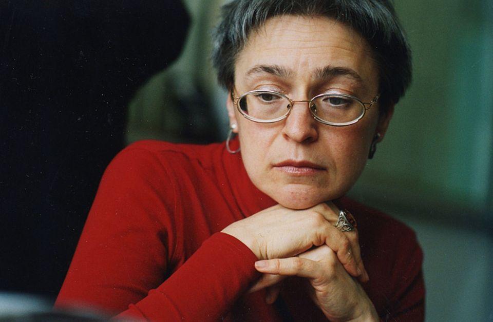 Weltveränderer: Die russische Journalistin Anna Stepanowna Politkowskaja kämpfte bis zuletzt für die Menschen im Tschetschenien-Krieg