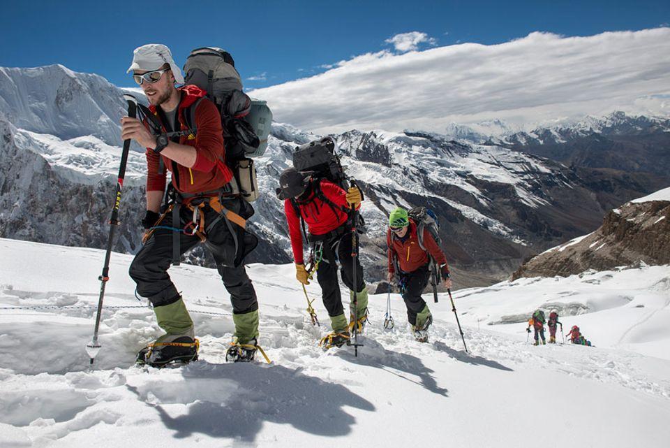Höhenkrankheit: Schritt für Schritt dem Gipfel entgegen, aber der Körper braucht viel zeit, um sich auf die Höhe einzustellen