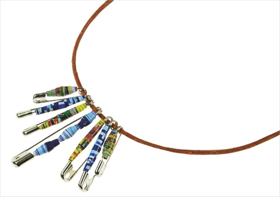 Basteln: Tipp: Fädelt die Perlen auf einer Schnur auf oder steckt sie auf Sicherheitsnadeln - für Armbänder, Ketten, Schlüsselanhänger