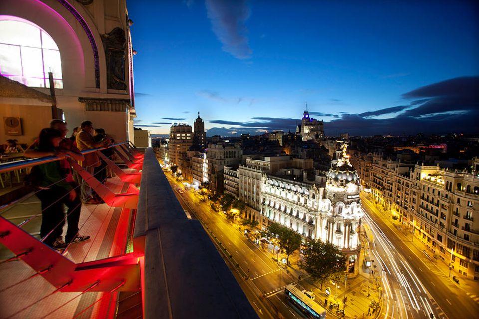 Madrid: Von der Terrasse des Circulo de Bellas Artes haben die Gäste einen wundervollen Blick über die Gran Vía sowie die Stadt