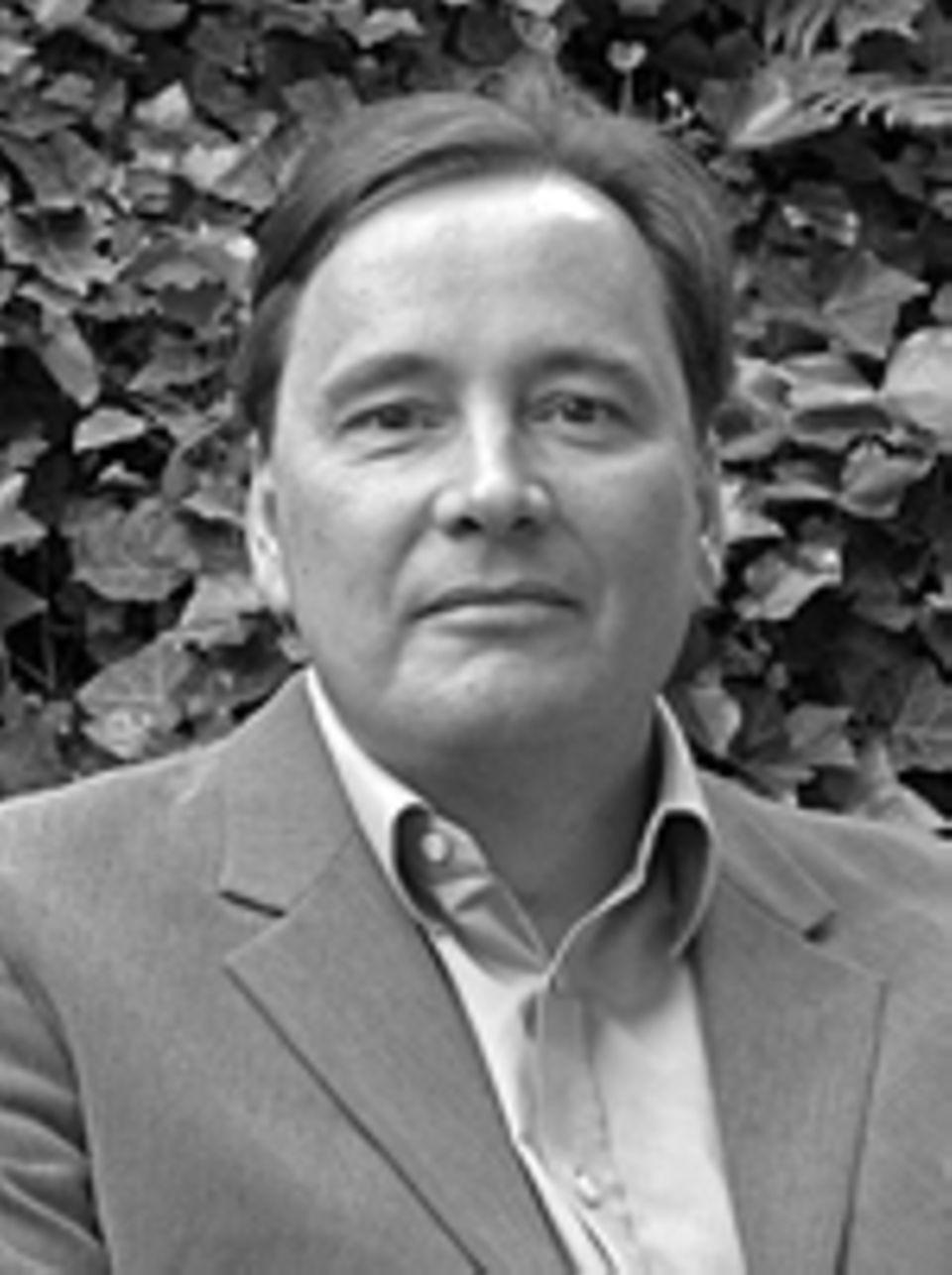 Interview: Dirk Schümer lebt als Europakorrespondent für das Feuilleton der FAZ in Venedig. Gerade wurde er für sein journalistisches Engagement mit dem Erich-Fromm-Preis ausgezeichnet