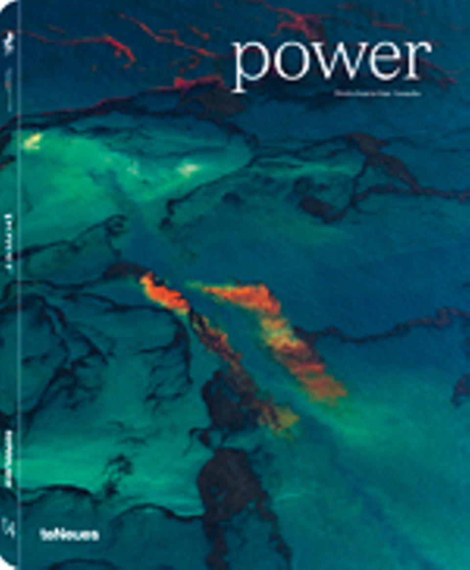 Fotogalerie: Prix Pictet 04: Power Deutsche Ausgabe 136 Seiten, Hardcover 71 Farb- und 12 Schwarz-Weiß-Fotografien teNeues Verlag 2012 49,90 Euro