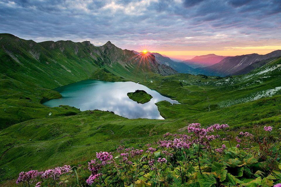 Reisetipps für Wasserfreunde: Sieben glorreiche Bergseen in den Alpen