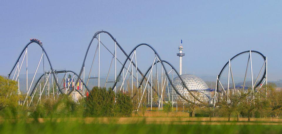"""Freizeitparks: Die größte Achterbahn Europas ist der """"Silverstar"""" im Europa-Park"""