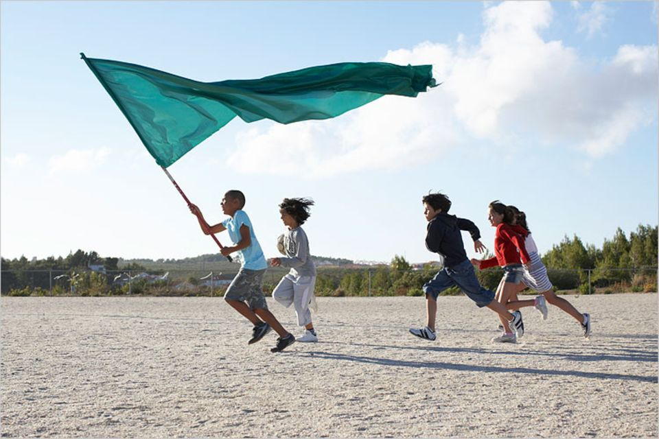 Redewendung: Eine Fahne ist ein weit sichtbares Zeichen und steht oft für eine Gemeinschaft