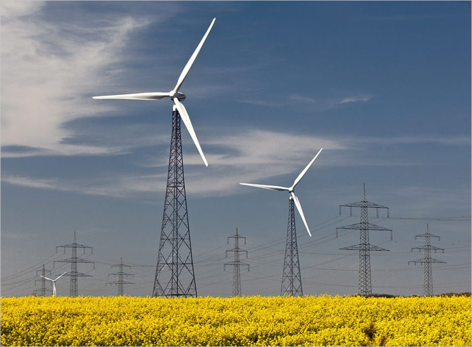Modellstadt Mannheim: Der Anteil der Erneuerbaren am deutschen Strommix beträgt heute schon 25 Prozent, Tendenz stark steigend. Das ist gut so. Doch die Schwankungen der Produktion in Abhängigkeit von Wetter und Tageszeit bringen das herkömmliche Stromnetz an seine Grenzen