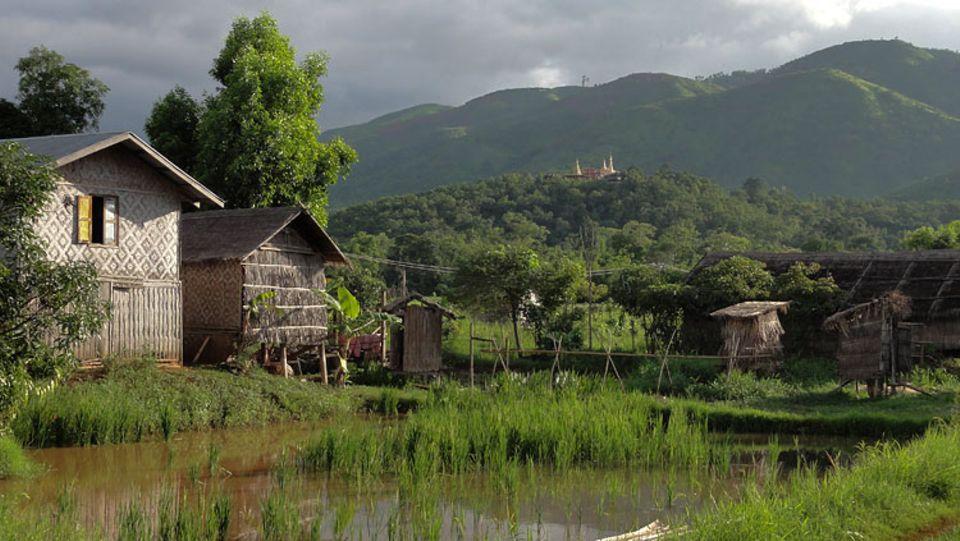 Im Dorf Pompein am Inle-See leben 300 Menschen, 150 davon sind Kinder. Alle bekommen nun Strom ins Haus.