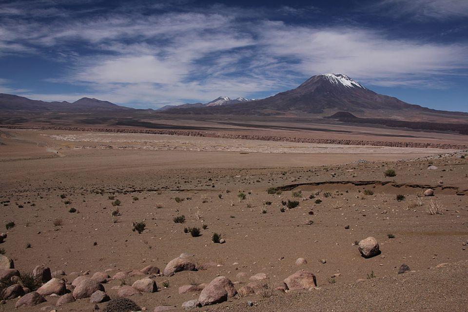 Die Atacamawüste im Norden Chiles ist die trockenste Wüste der Welt. Und sie ist auch begehrt wegen ihrer Rohstoffe: Lithium, Silber und vor allem Kupfer