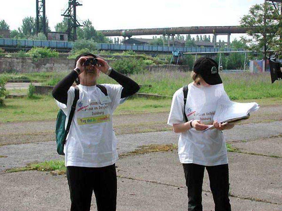 Kinder machten sich im Thyssen-Hüttenwerk in Duisburg auf der Suche nach Arten.